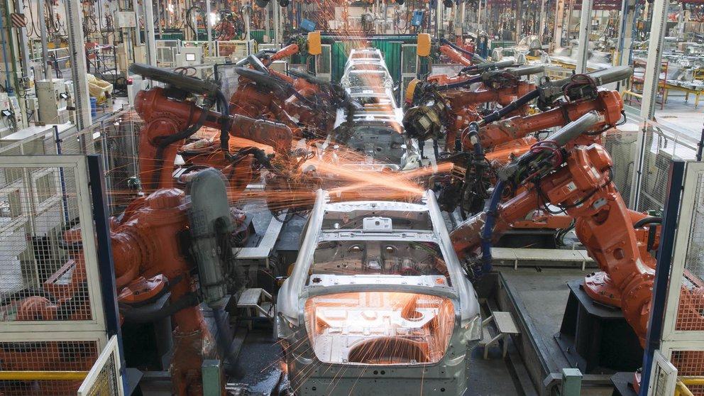 En febrero, la producción y las exportaciones de autos cayeron casi un 17% en relación a un año atrás