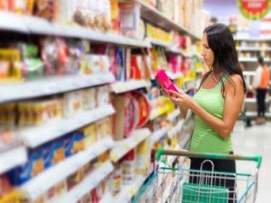 Gobierno advirtió a empresas: si aumentan más que la meta inflacionaria continuará Precios Máximos