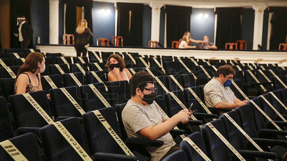 Habilitaron el regreso de cines, teatros y espectáculos con aforo de entre 30 y 50%