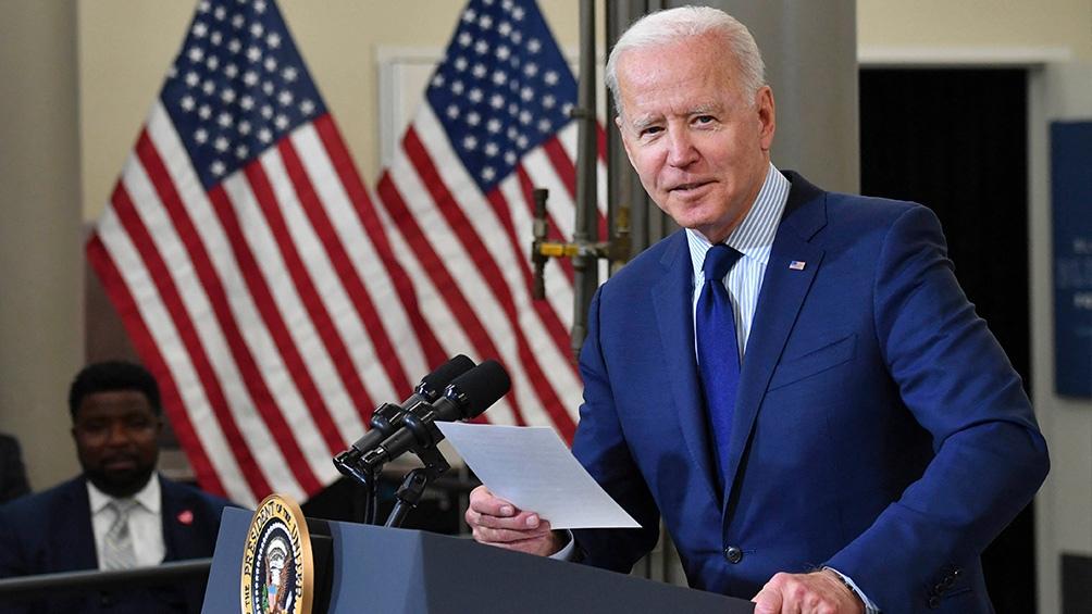 Biden donará vacunas y le pedirá a los líderes mundiales que se sumen al esfuerzo