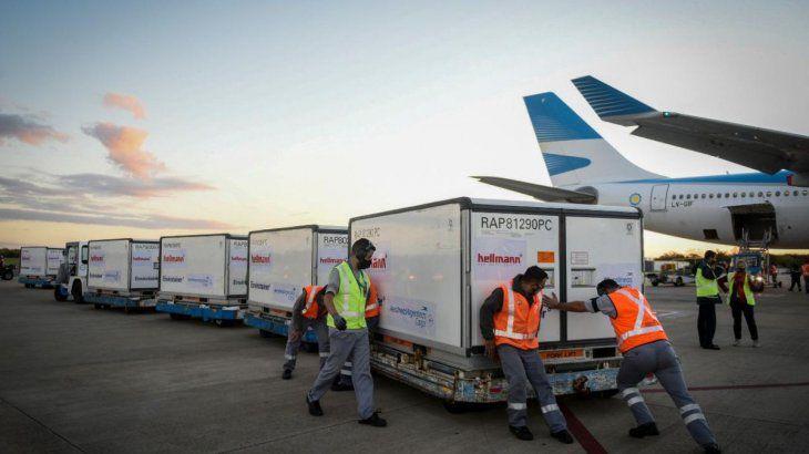 Covid-19: preparan la llegada de más de 2 millones de vacunas desde China
