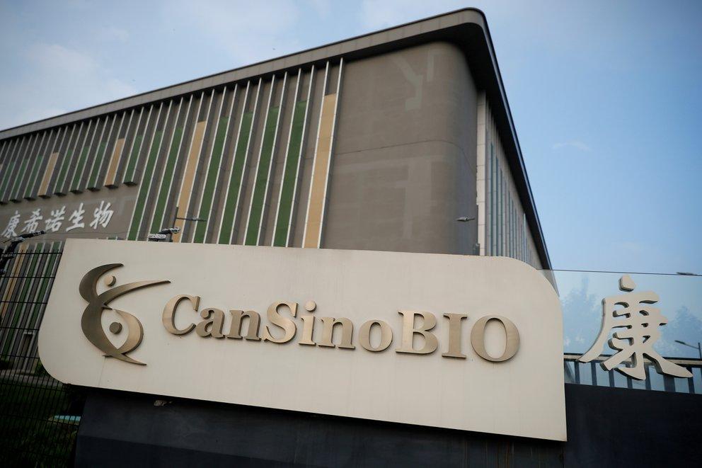 Arribaron al país las primeras 200 mil fórmulas de CanSino, la vacuna china de una sola dosis