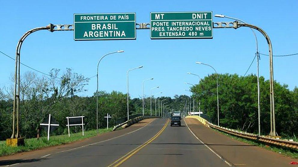 """El Gobierno habilitó a partir de hoy una """"prueba piloto"""" de ingreso de turistas por vía terrestre: por ahora Brasil no permite el paso"""