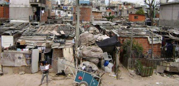Argentina, mayor crecimiento de la pobreza que en Chile y Uruguay