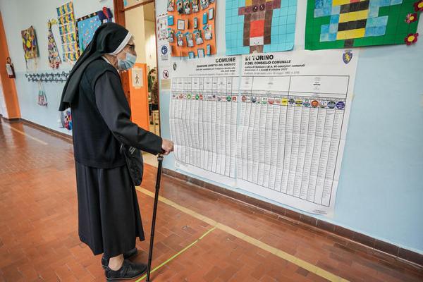 Elecciones administrativas 2021 en Italia: la participación a las 12 horas era del 12,67%.